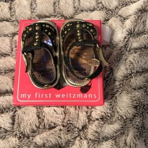 Preowned Stuart Weiztman baby shoes size 1